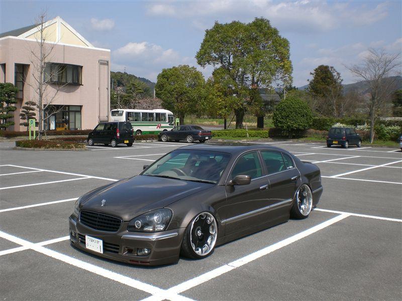 Nissan Cima относится к представительскому классу автомобилей, начал выпускаться с 1988 года, продажи прекратились в 2010 году.