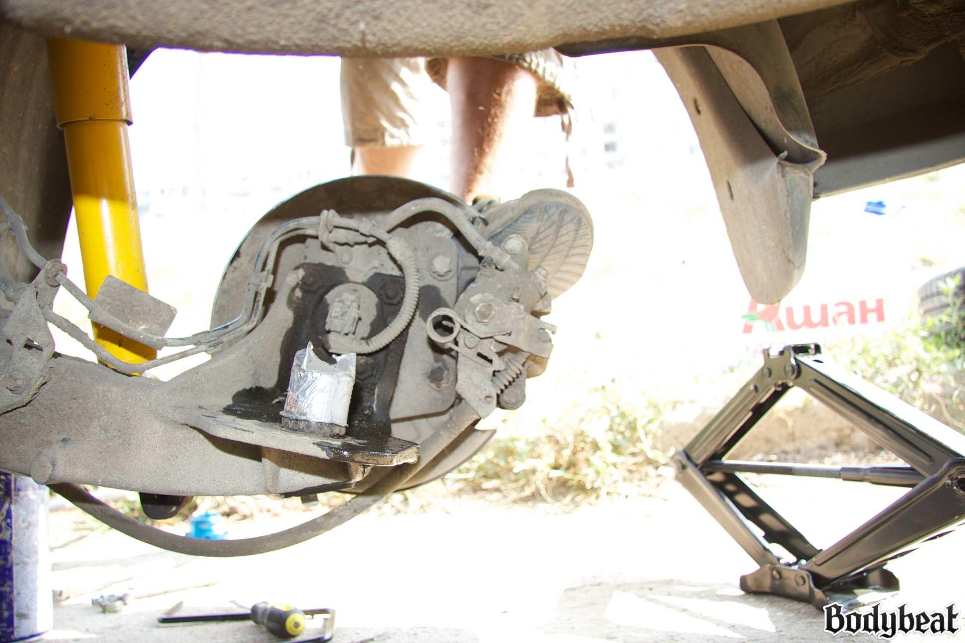 Регулировка углов установки передних колес (развал) 53